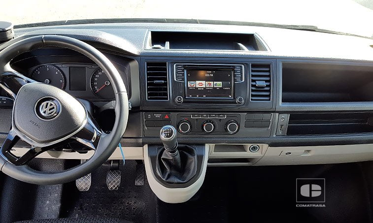 interior VW Caravelle Trendline Batalla Corta 2.0 TDI 102 CV
