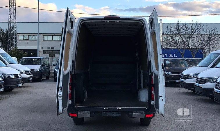 zona de carga VW Crafter 2.0 TDI 136 CV Furgoneta