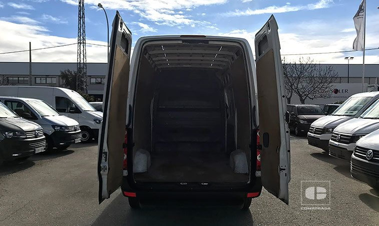 zona de carga VW Crafter 30 2.5 TDI 109 CV Furgón