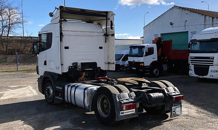 lateral izquierdo SCANIA R 124 L Cabeza Tractora