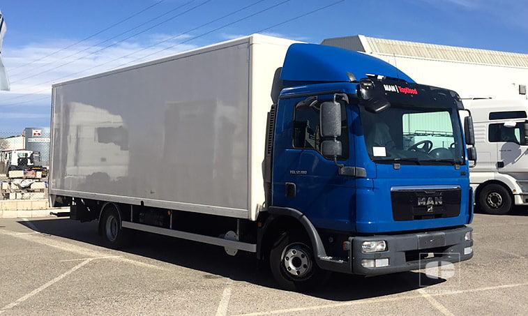 MAN TGL 12180 4x2 BB Camión con trampilla elevadora 2012