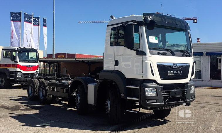 MAN TGS 35360 8x4 BB Cabina M nuevo
