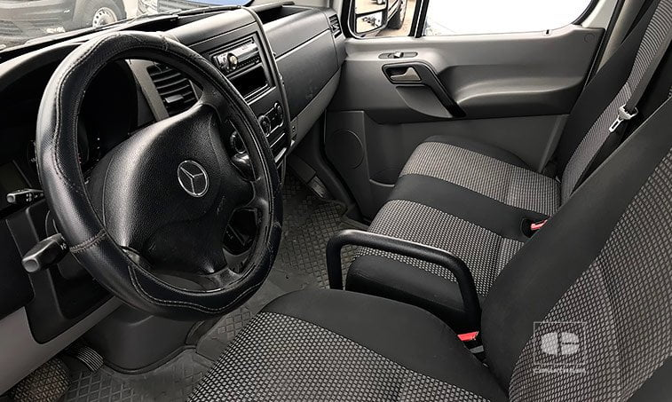 interior Mercedes-Benz Sprinter 315 CDI Largo 2.2 150 CV