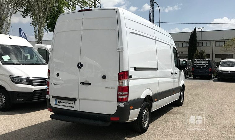 lateral derecho Mercedes-Benz Sprinter 316 2.2 CDI 130 CV Techo Elevado