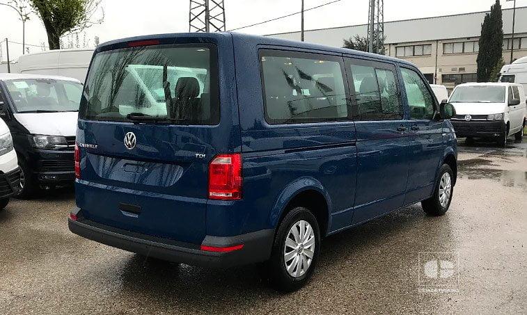 lateral derecho VW Caravelle Trendline 2.0 TDI 114 CV Batalla Larga 2018