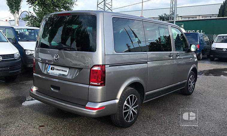 lateral derecho Volkswagen Multivan Outdoor 2.0 TDI 150 CV DSG