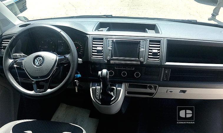 interior VW Caravelle Trendline Cambio DSG 2.0 TDI 150 CV 2017