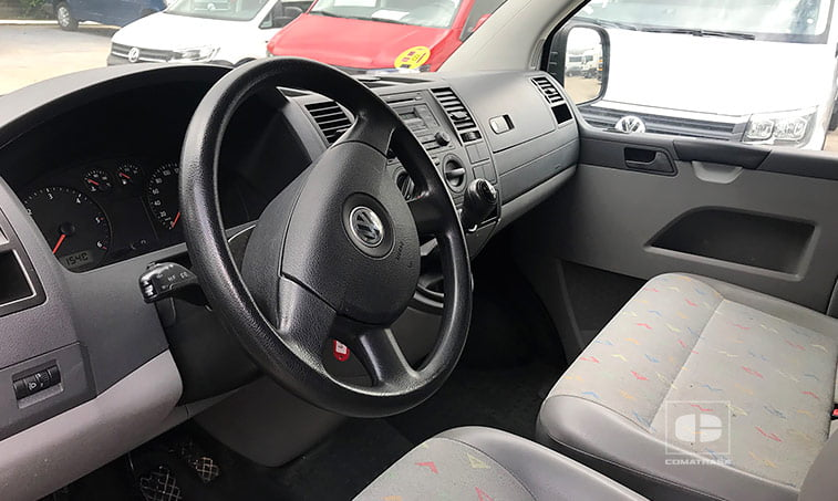 interior VW Transporter 1.9 TDI 102 CV Mixto Adaptable