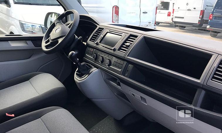 interior Volkswagen Transporter 2.0 TDI 102 CV Batalla Corta