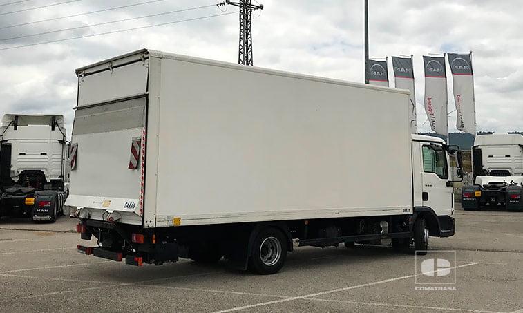 lateral derecho MAN TGL 8180 4x2 BL Camión Caja Cerrada Trampilla 2015