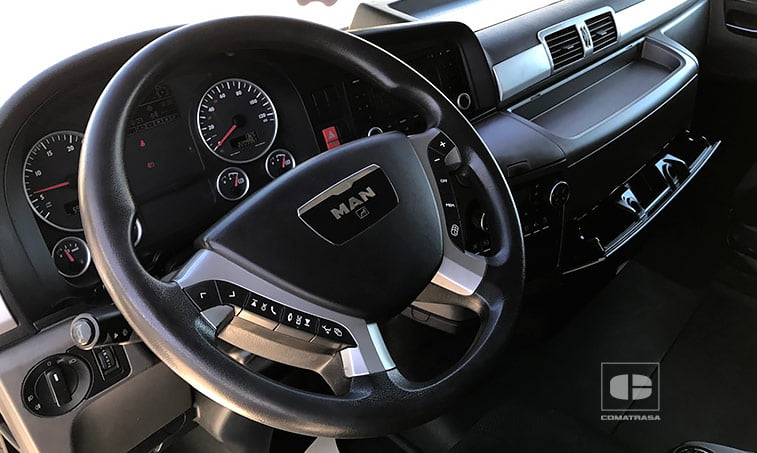 interior cabina MAN TGX 18.440 4X2 BLS Cabeza Tractora 2011
