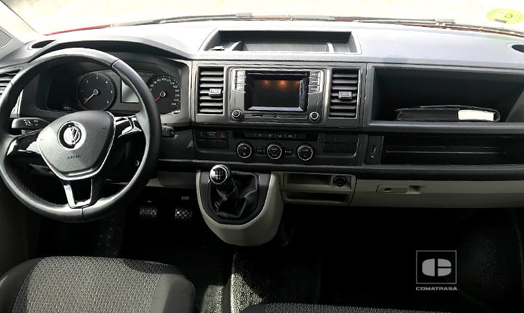 interior Volkswagen Caravelle Trendline 2.0 TDI 102 CV 2017