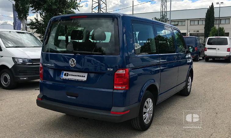 lateral derecho VW Caravelle Trendline 102 CV 2017 9 plazas