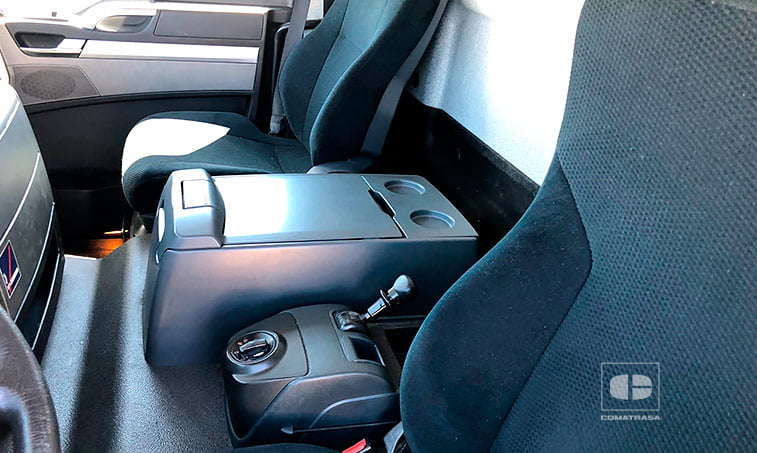 asientos MAN TGL 12250 4x2 BL Caja Cerrada con Trampilla