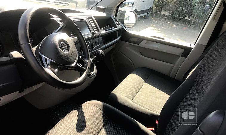 interior VW Caravelle Trendline 102 CV 2.0 TDI Batalla Corta