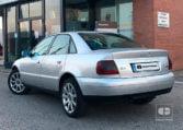 lateral izquierdo Audi A4 QUATTRO 1.9 TDI 110 CV