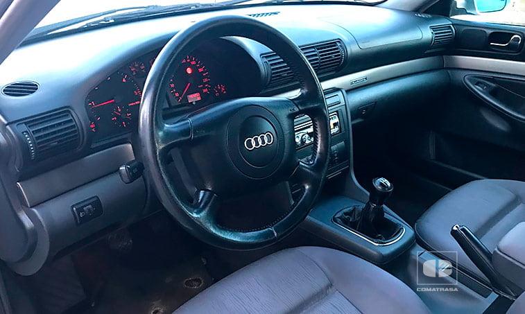 interior Audi A4 QUATTRO 1.9 TDI 110 CV