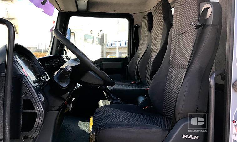 asientos MAN TGL 10180 4x2 BB Caja cerrada con trampilla elevadora