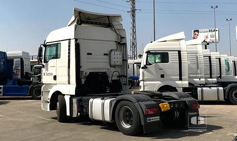 lateral izquierdo Tractora MAN TGA 18440 4x2 BLS