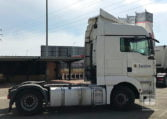 lateral derecho Tractora MAN TGA 18440 4x2 BLS