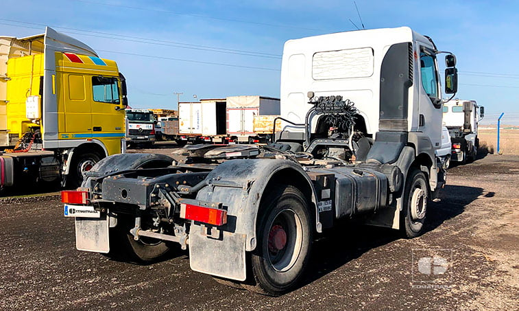lateral derecho Renault 420.18 T 4x2 DCI