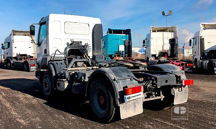 lateral izquierdo Renault 420.18 T 4x2 DCI