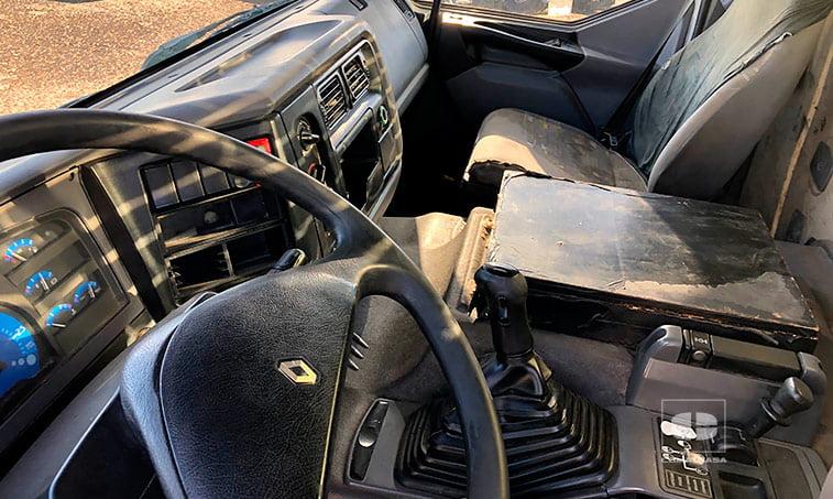 interior cabina Renault 420.18 T 4x2 DCI