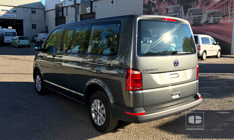lateral izquierdo Volkswagen Caravelle Trendline 2.0 TDI 150 CV Mixto