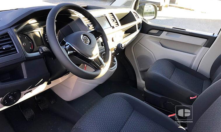 interior Volkswagen Caravelle Trendline 2.0 TDI 150 CV Mixto