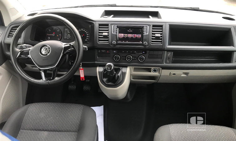 interior VW Caravelle 2.0 TDI 114 CV Mixto Adaptable