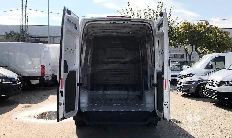 zona de carga VW Crafter 30 Batalla Media L3H2 2.0 TDI 102 CV