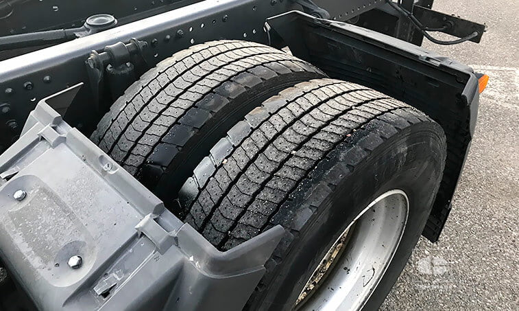 ruedas traseras MAN TGS 18440 4x2 LL Chasis Cabina Carrozable