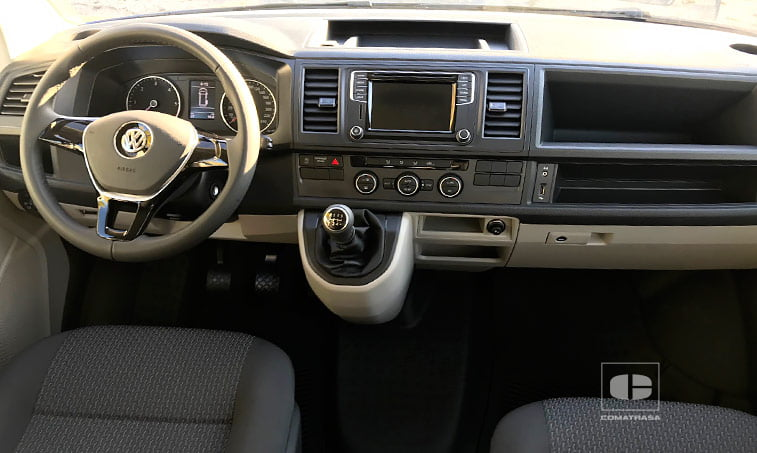 interior Volkswagen Caravelle 2.0 TDI 114 CV Mixto Adaptable