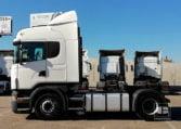 lateral Scania R420 LA4X2MNA Cabeza Tractora