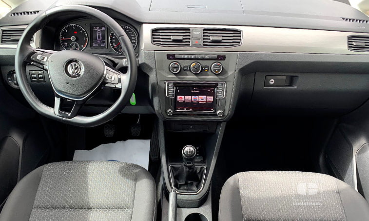 interior Volkswagen Caddy Outdoor 102 CV 2.0 TDI