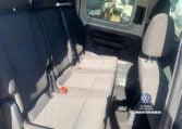 segunda fila asientos VW Caddy Trendline 2.0 TDI 102 CV (7 plazas)