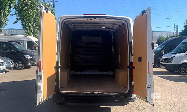 zona de carga Volkswagen Crafter 30 L3H2 102 CV Batalla Media