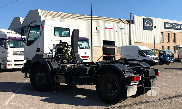 lateral Renault Kerax 420.18T 4x2