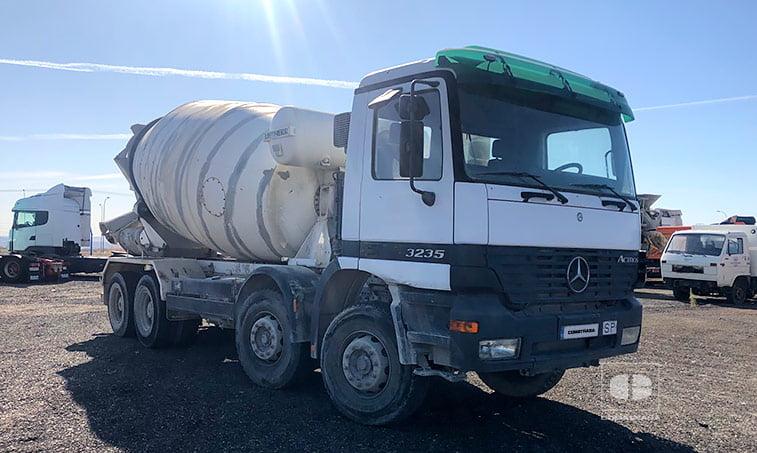 Hormigonera Mercedes Benz ACTROS 3235K 8x4