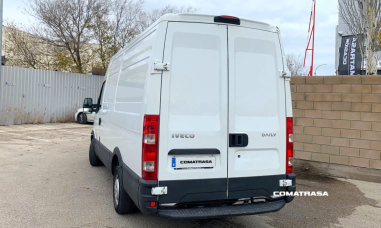 lateral izquierdo Iveco Daily 35S13