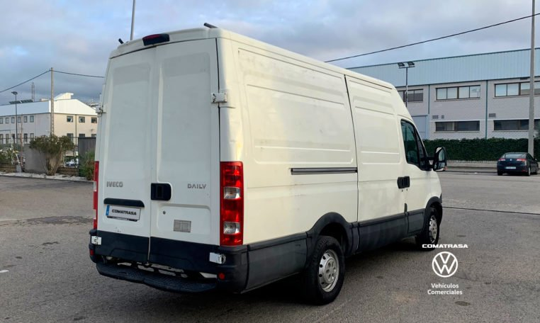 lateral derecha Iveco Daily 35S13