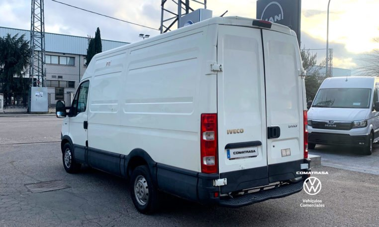 lateral izquierda Iveco Daily 35S13