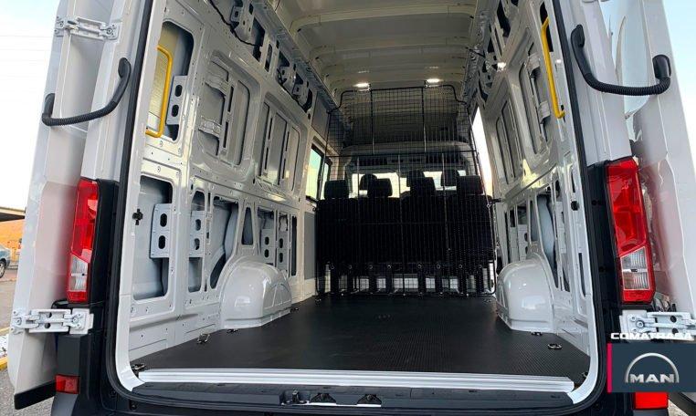 zona de carga MAN TGE 3180 Mixta 6 o 7 plazas