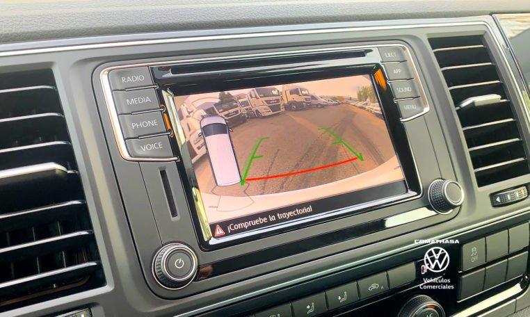 park pilot Volkswagen Multivan Outdoor 2.0 TDI 150 CV