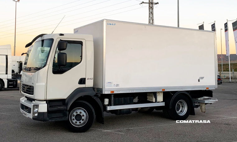 lateral Volvo FLL 42 240