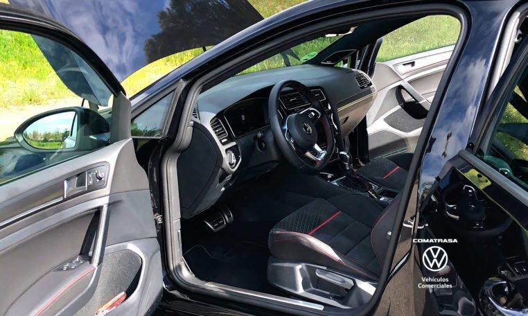interior Volkswagen Golf GTI Performance DSG