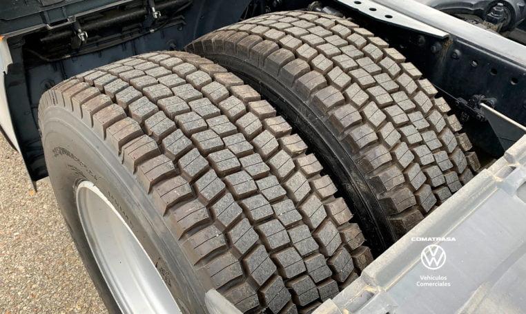 neumáticos traseros MAN TGX 18440 4x2 BLS EfficientLine 2
