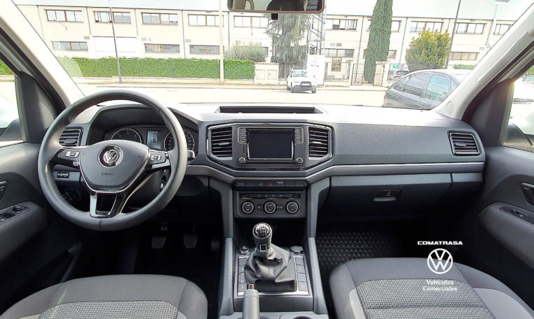 interior Volkswagen Amarok 2.0 TDI 163 CV