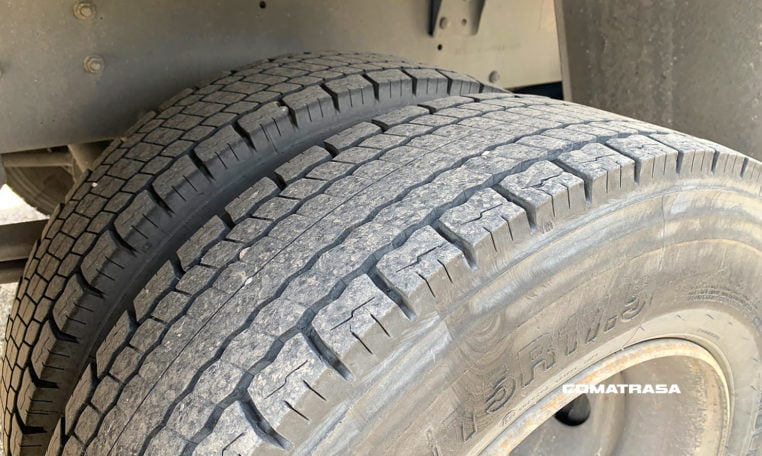 neumáticos traseros RENAULT 180.08 B