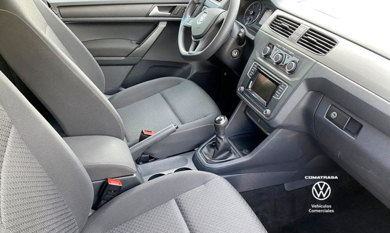 asientos delanteros VW Caddy Trendline 2.0 TDI 102 CV 2017